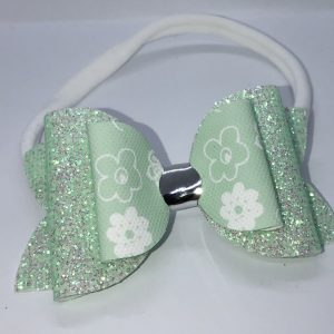 Minlt Green and Flower Bow