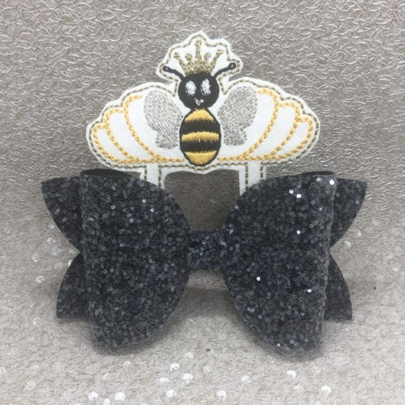 Black Bumblebee Large Scalloped Bow